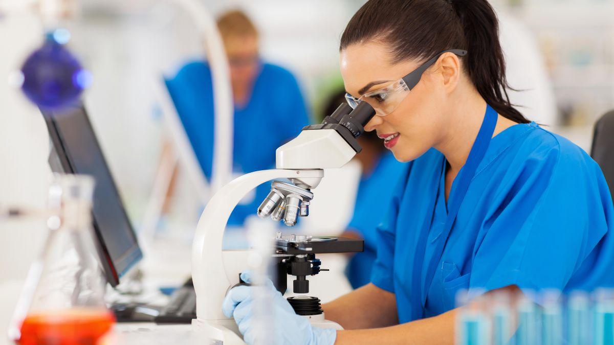 Controle microscópico tridimensional pós-operatório